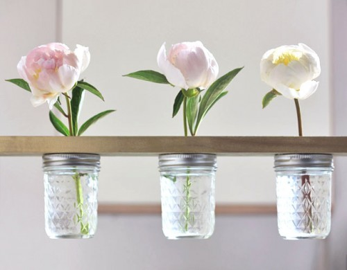 how-to-make-a-mason-jar-flower-shelf-1-500x390