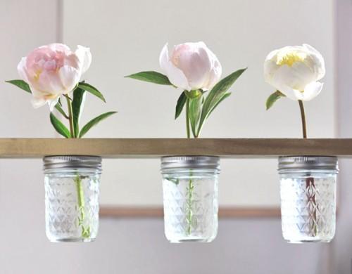 how-to-make-a-mason-jar-flower-shelf-1-500x390